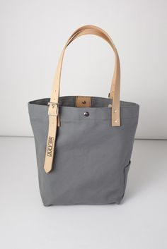 Moresby Canvas Tote | Grey