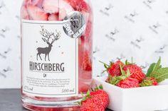 Erdbeerzeit! Hirschberg Gin mit frischen Erdbeeren Cocktails, Strawberries, Craft Cocktails, Cocktail, Drinks, Smoothies
