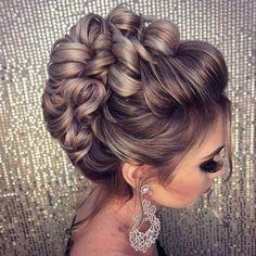 Hochzeitsfrisuren - # Highly Pinned - Tattoo Crafts - Garden Decor DIY - DIY Bathroom Ideas - Formal Hairstyles - DIY Jewelry To Sell Bridal Hair Updo, Wedding Hair And Makeup, Hair Makeup, Hairstyle Wedding, Bride Hairstyles, Trendy Hairstyles, Layered Hairstyles, Beautiful Hairstyles, Hairstyles Haircuts