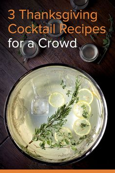 6 Cocktail Serving Tips & 3 Drink Recipes to For Your Thanksgiving Party 3 Thanksgiving Cocktail Recipes for a Crowd Thanksgiving Cocktails, Thanksgiving Dinner Recipes, Thanksgiving Sides, Cocktail Recipes For A Crowd, Food For A Crowd, Drinks Alcohol Recipes, Yummy Drinks, Drink Recipes, Party Recipes
