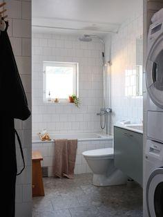 Bathroom Inspo, Bathroom Inspiration, Kardashian Home, Bath Tiles, Home Decor Paintings, Luxury Homes Interior, White Tiles, Modular Homes, Basement Remodeling