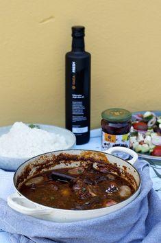 Stifado – gresk kjøttgryte! Stew, Chili, Food And Drink, Fresh, Chile, Chilis