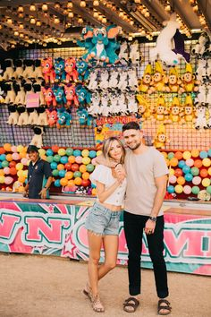 Carnival Photography, Fair Photography, Couple Photography, Couple Picture Poses, Cute Couple Pictures, Couple Pics, Fair Day, Fun Fair, Amusement Park Outfit