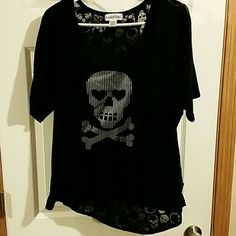 Jr. Plus size tee Skull printed burnout on the back. Silver skull design on the front. From Hot Topic. Worn once. Size XXL.  3/4 sleeve, tank not included. Rocker Girl Tops Tees - Short Sleeve