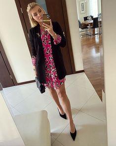 Karolina Franek (@karola_franek) • Instagram photos and videos Dressy Outfits, Spring Outfits, Spring Summer, Photo And Video, Videos, Photos, Instagram, Pictures, Chic Outfits