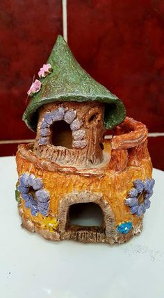 I signed up for a 10 week beginner's ceramic course at the Killaloe Ballina Family Resource Centre late last year and had a wonderful time p. Play Clay, Miniature Houses, Wonderful Time, Miniatures, Ceramics, Bird, Outdoor Decor, Home Decor, Ceramica