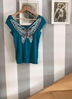 Schmetterling Vintage Tshirt  von Mink bestickt und mit cut outs