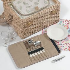 This compact picnic hamper has everything you need for a romantic al fresco…