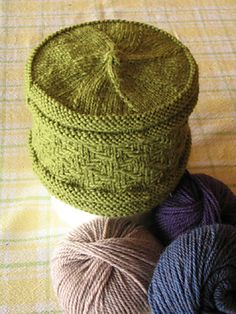 Ravelry: Top Down Slip Stitch Hat pattern by Evelyn Skae pillbox hat Knitting Stitches, Hand Knitting, Knitting Patterns, Crochet Patterns, Slip Stitch Crochet, Knit Or Crochet, Crochet Hats, Bonnet Crochet, Funky Hats
