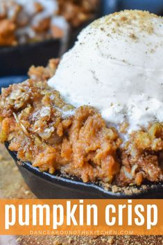 It'll take about 1 bite of this goodness to realize Pumpkin Crisp is your new favorite fall dessert! The smooth, perfectly spiced pumpkin filling and the crunchy topping is truly a match made in heaven! Pumpkin Dishes, Pumpkin Dessert, Pumpkin Recipes, Pumpkin Coffee Cakes, Pumpkin Crisp, Pumpkin Spice, Spiced Pumpkin, Pumpkin Pumpkin, Vegan Pumpkin