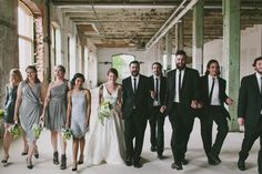 Husband & Wife photographers based out of Nashville, Tn    www.bluevinylphotography.com