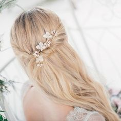 Crystal embellished gold-toned floral hair comb | Buttercup | Ivory and Co