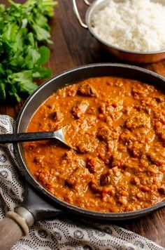 Heavenly Bombay Beef Curry - tender pieces of beef in a delicious aromatic curry sauce and can be cooking stove top or in an Instant Pot. Curry Recipes, Beef Recipes, Cooking Recipes, Indian Food Recipes, Healthy Dinner Recipes, Ethnic Recipes, Cooking Curry, Slimming Eats, Kitchens
