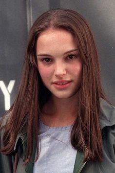Natalie Portman hairstyle: Luscious low key locks