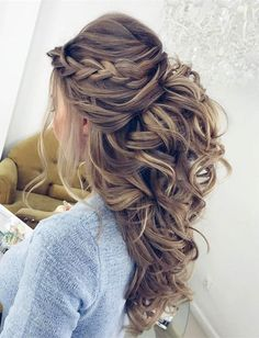 pretty wedding hairstyles half up half down