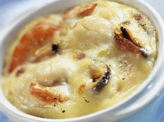 Simple seafood gratin - Beatrice Queva - - Gratin de fruits de mer simplissime Discover the seafood Gratin recipe very simple with Current Woman MAG Fall Appetizers, Seafood Appetizers, Appetizer Recipes, Crockpot Recipes, Keto Recipes, Cooking Recipes, Meat Recipes For Dinner, Food Videos, Carne