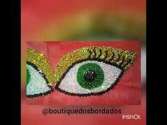 PATCHE DE OLHOS BORDADOS COM PAETÊS E MIÇANGAS NA ENTRETELA
