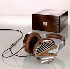 Vintage headphones (€2,750.-)
