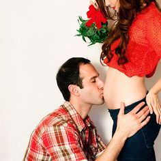 18 Creative Holiday Pregnancy Announcements That Are Crazy Cute