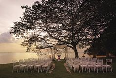 A memorable sunset solemnization at the only beachfront resort in Singapore, Shangri-La's Rasa Sentosa Resort & Spa.