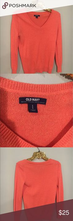 Women's Coral Sweater Who wouldn't be obsessed with this color🤗 Size small. Please message me for questions!📲 Old Navy Sweaters Crew & Scoop Necks