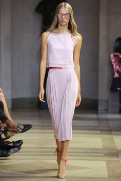 See the complete Carolina Herrera Spring 2016 Ready-to-Wear collection.
