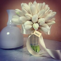 Wonderful white tulip bouquet;Wedding bouquet with white tulips.  Buchet de mireasa cu lalele albe