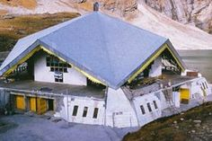 Hemkund sahiv is related to sikh religious yatra in Uttarakhand. hemkund sahib & satopanth lake is top attraction. hemkund tourism, hemkund sahib yatra tour packages 2016, hemkund sahib yatra by helicopter, Hemkunt yatra by car tour 2016