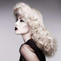 Big Hair Friday – British Hairdresser of the Year 2011 – friseur Creative Hairstyles, Retro Hairstyles, Curled Hairstyles, Natural Hairstyles, Hair Styles 2014, Long Hair Styles, Pelo Editorial, Beauty Editorial, Pelo Retro
