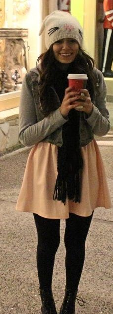 Bethany Mota, seeing this pic just makes me excited for winter lol Teen Fashion, Fashion Outfits, Womens Fashion, Date Outfits, Classy And Fabulous, Autumn Winter Fashion, Winter Outfits, Style Me, Celebrity Style