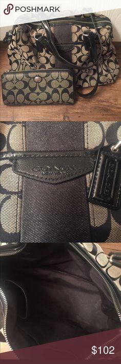 COACH purse & wallet bundle This COACH purse & wallet bundle is adorable! Good condition. Light wear. No rips or tears. Coach Bags