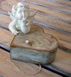 Heart-shaped Wooden Jewelry Box Skated Blue Paint Sky Varnished In The Special…