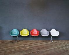 De E van Eames  every single color, including the gray wall