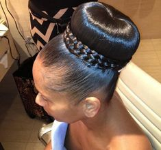 It's That Time Again -- 20 Best African American Wedding Hairstyles ⋆ African American Hairstyle Videos - AAHV Oblong Face Hairstyles, Braided Mohawk Hairstyles, Black Hair Updo Hairstyles, Natural Wedding Hairstyles, Natural Afro Hairstyles, Braided Hairstyles For Black Women, My Hairstyle, Elegant Hairstyles, Bride Hairstyles