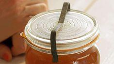 Pampeliškový med — Recepty — Herbář — Česká televize Med, Incense, Dandelion, Mason Jars, Honey, Organic, Tableware, Desserts, Tailgate Desserts