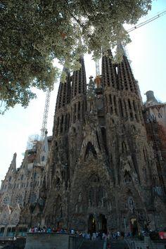 La Sagrada Familia à Barcelone, imaginée par Gaudi.