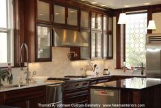 20 Stunning Kitchen Design Ideas With Mahogany Cabinets High End Kitchen Cabinets, Kitchen Cabinet Makers, High End Kitchens, Kitchen Cabinet Styles, Custom Kitchen Cabinets, Custom Kitchens, Painting Kitchen Cabinets, Farmhouse Cabinets, Mahogany Cabinets