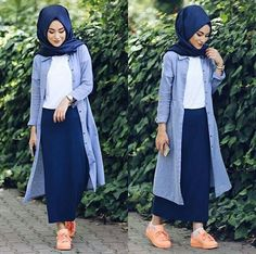 Hijab Style: Hijab fashion in comfortable style Islamic Fashion, Muslim Fashion, Modest Fashion, Hijab Fashion, Girl Fashion, Fashion Outfits, Casual Hijab Outfit, Hijab Chic, Hijab Dress