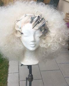 Pin Up Hair, Big Hair, Wig Styles, Long Hair Styles, Hair Stations, High Fashion Hair, Drag Wigs, Diy Wig, Finger Wave Hair