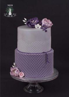 Purple flower cake by Twister Cake Art