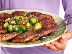 Elgkarbonader Norwegian Food, Kung Pao Chicken, Main Dishes, Steak, Bacon, Pork, Vegetables, Ethnic Recipes, Game
