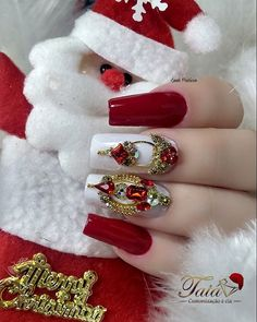 In order to provide some inspirations for nails red colors for your long nails in this winter, we have specially collected more than 80 images of red nails art designs. Rhinestone Nails, Bling Nails, Red Nails, Christmas Nail Art Designs, Christmas Nails, New Years Nail Art, Long Nail Art, Glamour Nails, Best Acrylic Nails