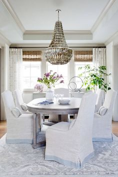 I'm endlessly inspired by the work of Kate Lester, a Los Angeles-based interior designer known for creating spaces that are luxurious, livable and unique. I was immediately drawn to one of he…