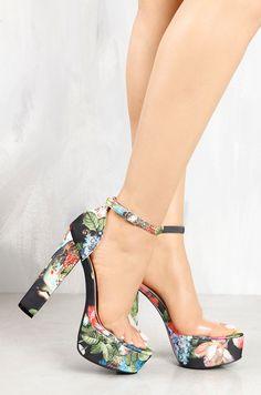 83efd80e5d0 Lola Shoetique - Vain Looks - Floral