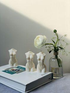 Flowerpot Lamp, Room Ideas Bedroom, Bedroom Decor, Bedroom Candles, Entryway Decor, Aesthetic Room Decor, White Candles, Deco Design, My New Room