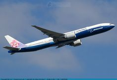 Foto China Airlines Boeing 777-309(ER) B-18007
