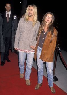 Something unusual has been going on for YEARS. And, yes, this has to do with one of Hollywood's biggest A-listers. This is major Brad Pitt news. See the photos that prove Brad transforms to look like every girlfriend he's had. Brad Pitt Girlfriend, Brad Pitt News, Hippie Rock, 90s Grunge Hair, Angelina Jolie, Red Carpet Looks, Celebs, Celebrities, Facon