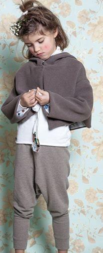 Bello vero l'outfit #Cuculab AI 2014... è online su www.cocochic.it http://www.cocochic.it/it/home/312-giacca-corta-con-cappuccio.html http://www.cocochic.it/it/home/282-leggings-tortora.html http://www.cocochic.it/it/home/308-lupetto-in-jersey.html  #kids