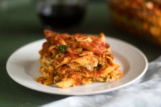 This Vegan Baked Pasta with Tofu Ricotta is perfect if you are looking for an easy, budget-friendly meal that is also delicious! Baked Pasta Recipes, Vegan Recipes, Tofu Ricotta, Vegan Baking, Vegan Food, Homemade Sauce, Pasta Bake, Us Foods, Casserole Dishes