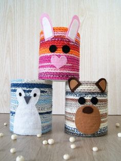 Stiftehalter mit herzigen Tiermotiven häkeln – Fantasiewerk Instructions with free templates for printing: crochet pen holder with animals. Craft idea for families and children of Fantasiewerk. Diy Crafts To Sell, Easy Crafts, Arts And Crafts, Work With Animals, Wine Bottle Crafts, Crafts For Girls, Pen Holders, Pencil Holder, Diy For Teens